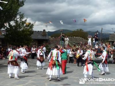 Majaelrayo - Pueblos arquitectura negra - Fiesta de los danzantes, Santo Niño; amigos senderistas